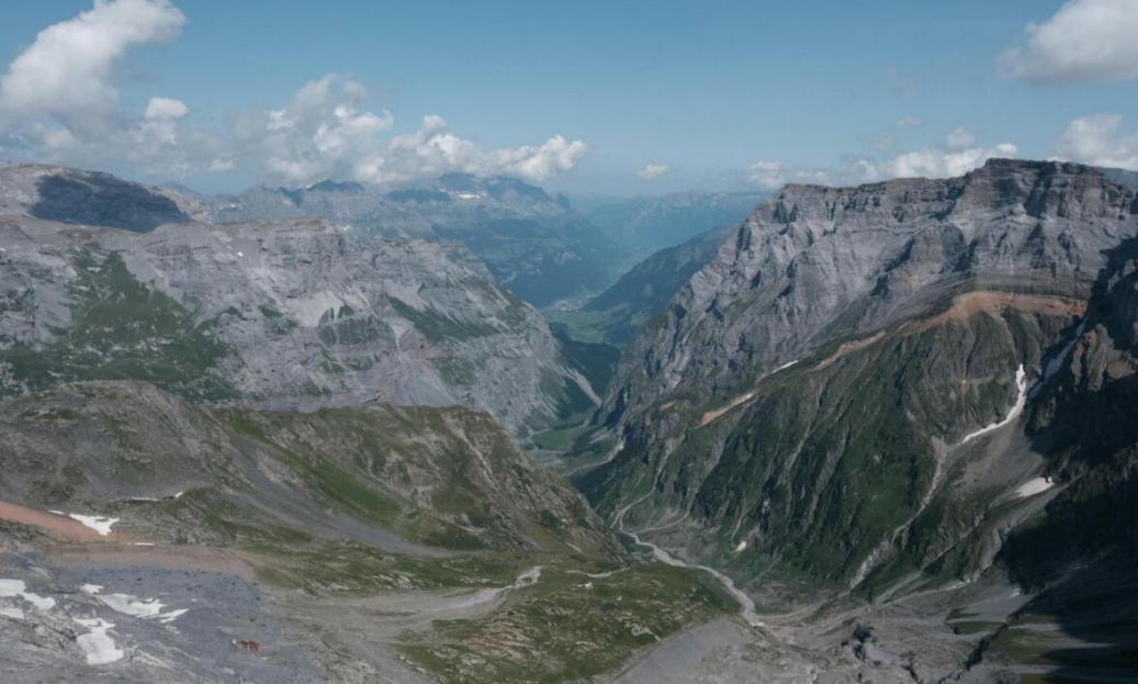 Linthal in Gleitdistanz